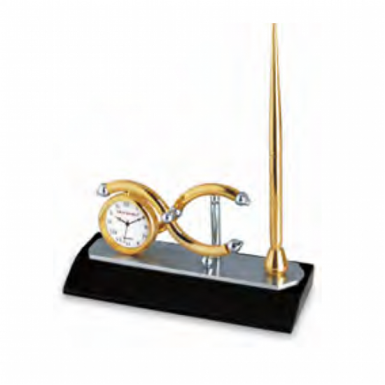 Plated desk clock with wooden base