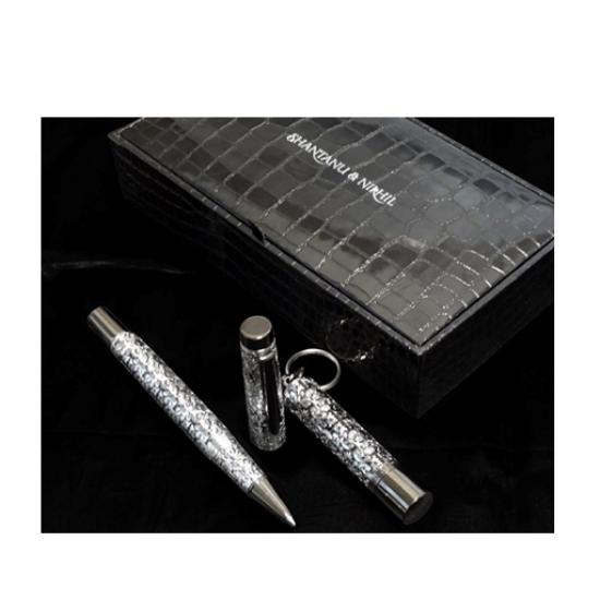 Shantanu Nikhil USB pen drive and Baroque roller pen gift set